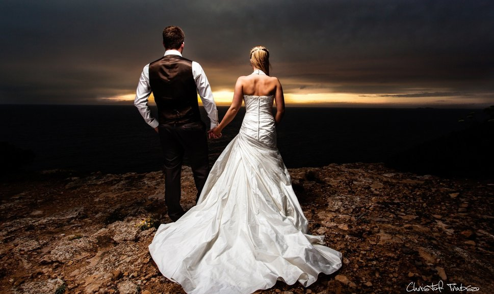 131076__mood-love-feelings-the-couple-man-woman-boy-girl-groom-bride-wedding-dress_p