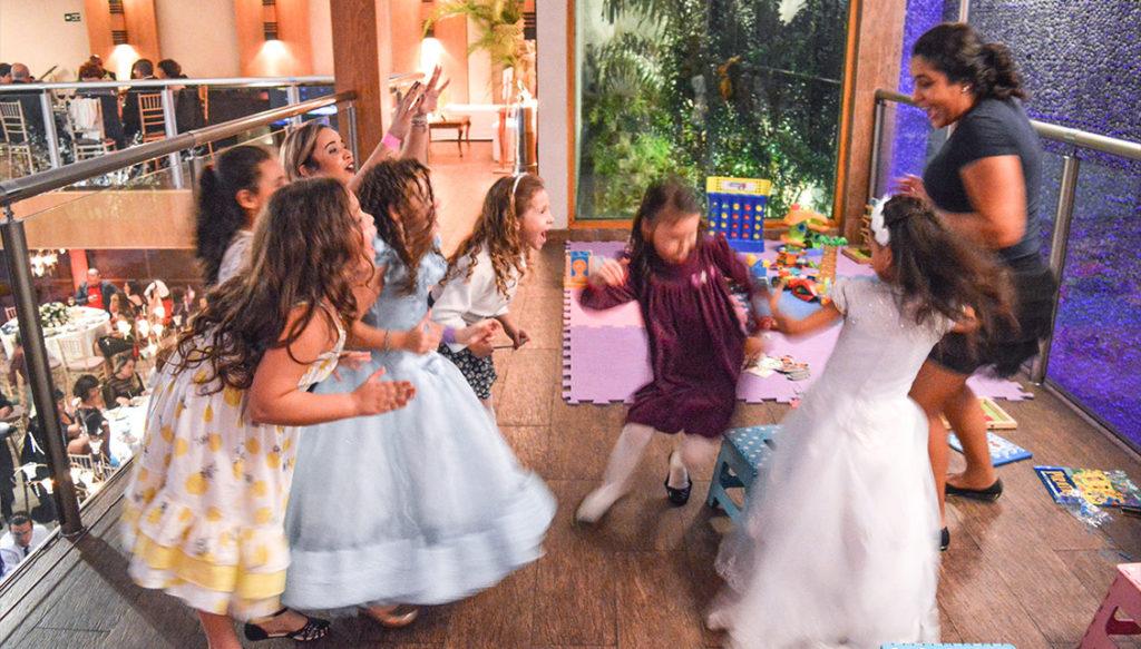 espaço kids animação infantil crianças no casamento