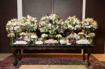 mesa de doces finos do casamento
